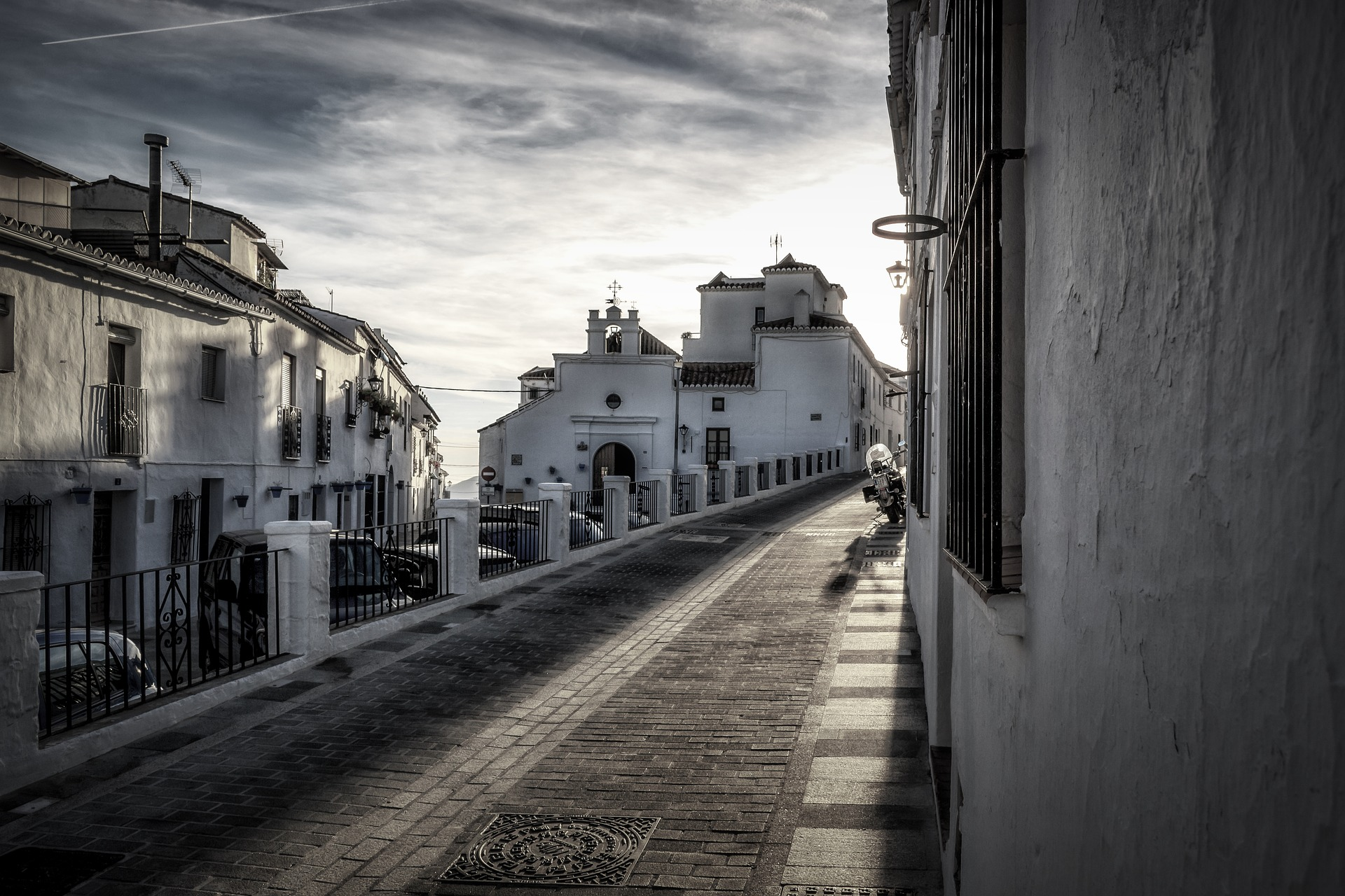 Andalusian Parliament has approved the regularisation of 25,000 illegal homes in Andalucía